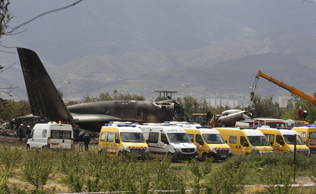 More than 250 people killed after Algerian military plane crashes